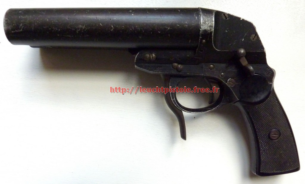 model l datet 1943 and manufactured by gpt